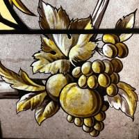 Paire de vitraux aux fruits