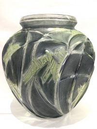 Vase « Sauterelles » verre blanc patiné bleu et vert de René LALIQUE