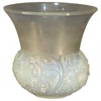 """René Lalique Opalescent """"Renoncules"""" Vase"""