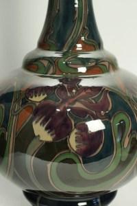 Grand vase en céramique art nouveau, Gouda Zuid Holland