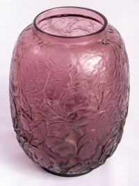 """Vase """"Monnaie du Pape"""" verre améthyste de René LALIQUE"""