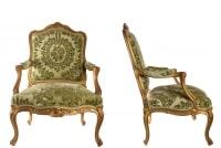 Paire De Fauteuils De Style Louis XV Bois Doré