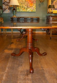 Grande table de style Georges III.