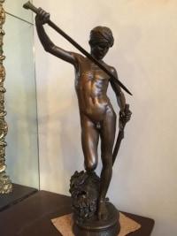 "Bronze ""DAVID VAINQUEUR DE GOLIATH"", signé Antonin Mercier. Réf: 393"