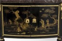 Comelli, Petite commode style Louis XVI, laque décor chinoisant, vers 1950