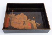 Deux plateaux en laque représentant un danseur de face et de dos Japon début EDO 17e siècle