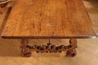Table Espagnole en noyer de la fin du XVII ème siècle
