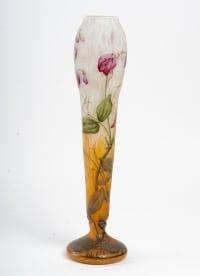 """Vase Daum Nancy """"Aux Pois de Senteur""""."""
