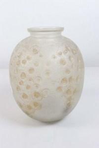 "RENE LALIQUE (1860-1945) Vase ""Marguerites"""