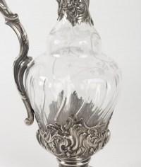 Aiguière en cristal taillé et gravé 20e siècle