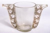 """Vase """"Honfleur"""" verre blanc patiné gris de René LALIQUE"""