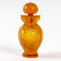 """Flacon """"N°7"""" medium taille verre butterscotch de Marc LALIQUE pour MORABITO"""