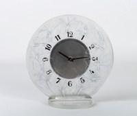 Pendule « Papillons » verre blanc émaillé noir de René LALIQUE - mouvement mécanique OMEGA