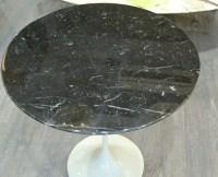 "Eero Saarinen & Knoll, gueridon ""tulipe"" en marbre noir, XXth"