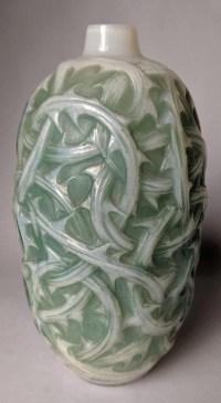 1921 René Lalique - Vase Ronces Opalescent