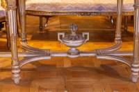 Table de style Louis XVI dessus de marbre rose fin 19e siècle