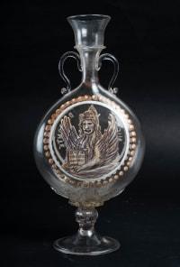 Vase venitien, fin XVIIIème/ Début XIXème emaillé noir et blanc