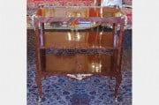 Table de Salon style Louis XV attribuée à Krieger