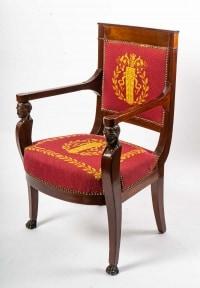 une paire de fauteuils aux egyptiennes d'epoque consulat