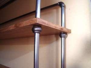 Etagère industrielle en acier et chêne