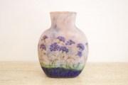 DAUM - Vase à décor émaillé de bleuets