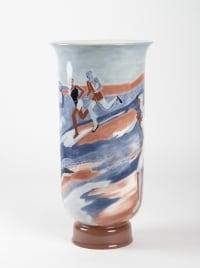 """Grand vase à décor de """" coureurs """" en porcelaine de sèvres - céramique art déco"""