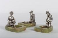 Trois vide-poches en bronze argenté et onyx, 1900