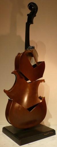 ARMAN Sculpture en bronze 20ème siècle signée Violon coupé II Hommage à Picasso Art moderne