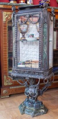 Vitrine Napoléon III en bronze et marbre vert, intérieur capitonné