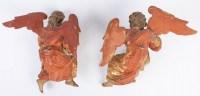 Paire d'anges en bois doré. Fin XVIIème.