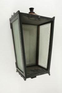 Lanterne en Bois Peint, 1940