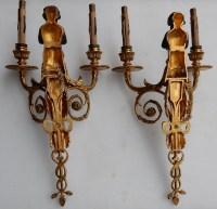 1900' Paire d Appliques à Deux Bras de Lumière de Style Louis XVI en Bronze Doré d'Après un Modèle de Jean HAURE à Décor de Bustes d'Enfants Musiciens