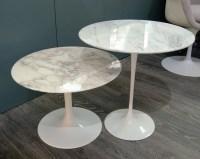 "Eero Saarinen & Knoll, gueridons ""tulipe"" en marbre / tables gigogne, xxème"