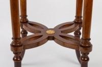 Petite table guéridon en placage de noyer de style Napoléon III