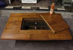 Table basse avec casier à bouteilles (création)