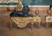 Paire de chenets en bronze ciselé de style Louis XVI