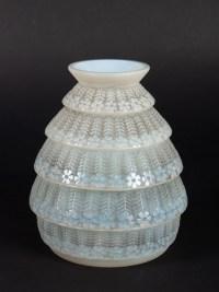 Vase « Ferrières » verre opalescent patiné gris de René LALIQUE
