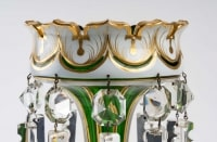 Paire de porte ananas en cristal de Bohème vert et opaline blanc
