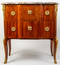 Petite commode d'époque Transition Louis XV - Louis XVI estampillée de J. Stumpff