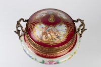 Bonbonnière en porcelaine et bronze 19e siècle Napoléon III