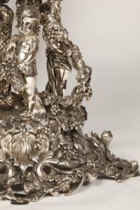 Centre de table en bronze argenté XIXe et cristal attribué à Henri Picard.