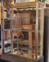 Vitrine à 3 étagères en laiton du 19e siècle