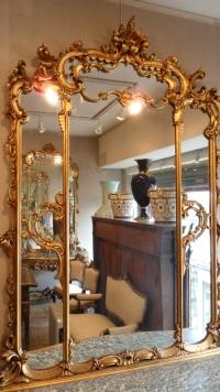 Console et son miroir en bois sculpté et doré. Réf: 226.