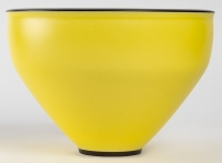 Grande coupe en porcelaine par Marc Uzan - exposition en cours