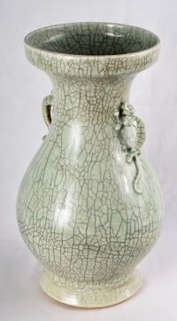 Grand vase à couverte de type Ge, période Yongzheng / Qianlong, 18e siècle