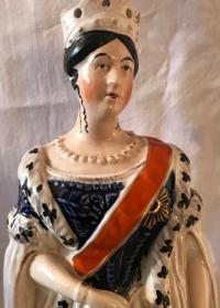 Couple princier en porcelaine anglaise. Réf: Charles 12.