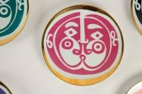 """série d'assiette en porcelaine """" masque """" par Roger Capron"""