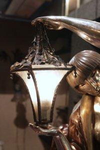 Maurice Guiraud-Rivière - Lampe Femme à la lanterne