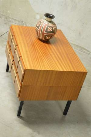 Belle commode scandinave moderniste- 8 tiroirs - années 1960's
