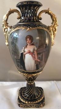 Vase en porcelaine, bleu de Sèvres et bronze doré. Réf: 287.